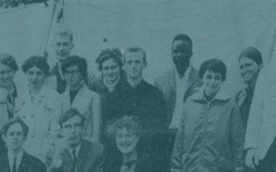 Werkkamp Sjaloom verbouwt het nooddorpshuis (1966)